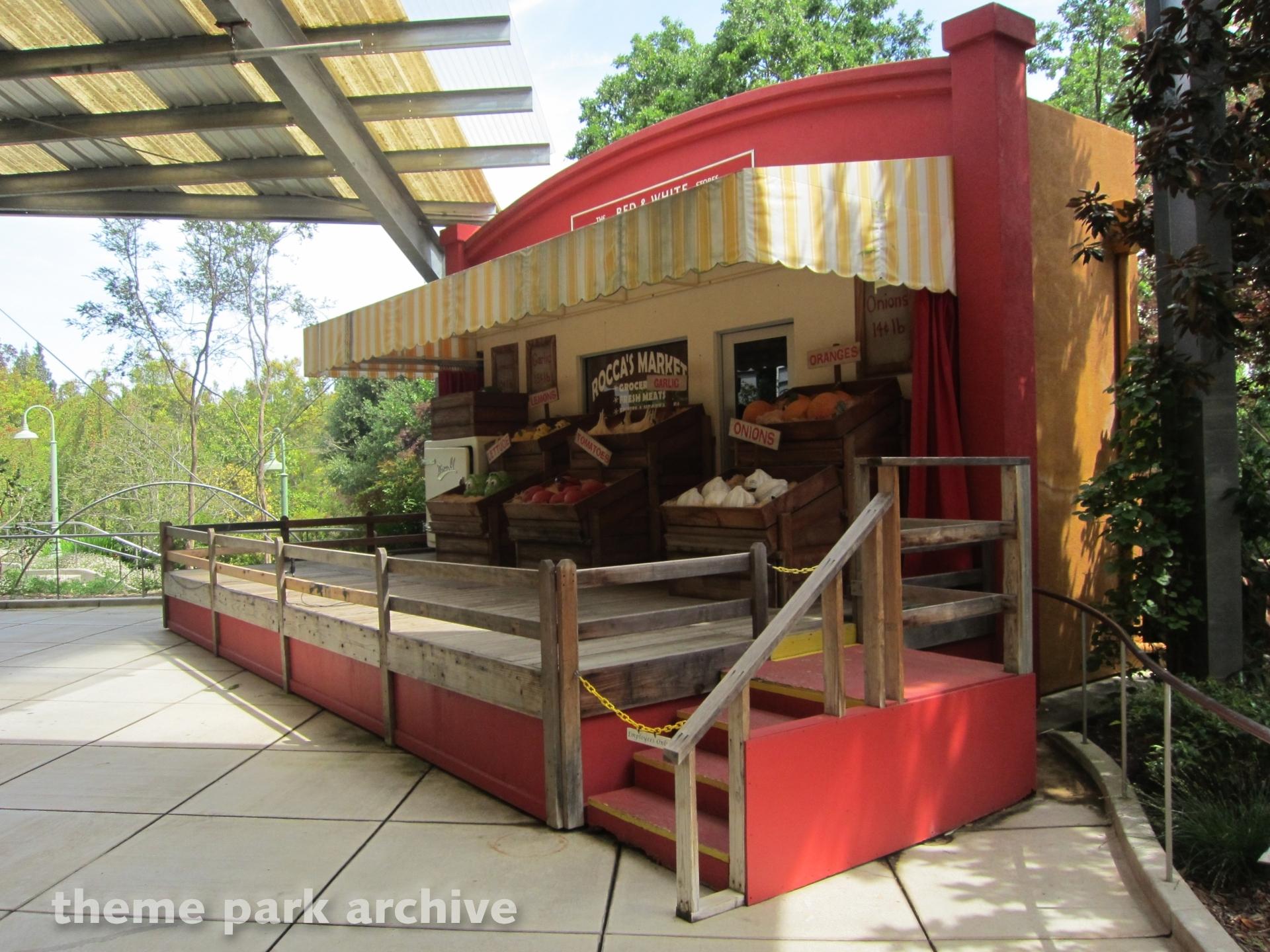 Camellia Garden at Gilroy Gardens   Theme Park Archive