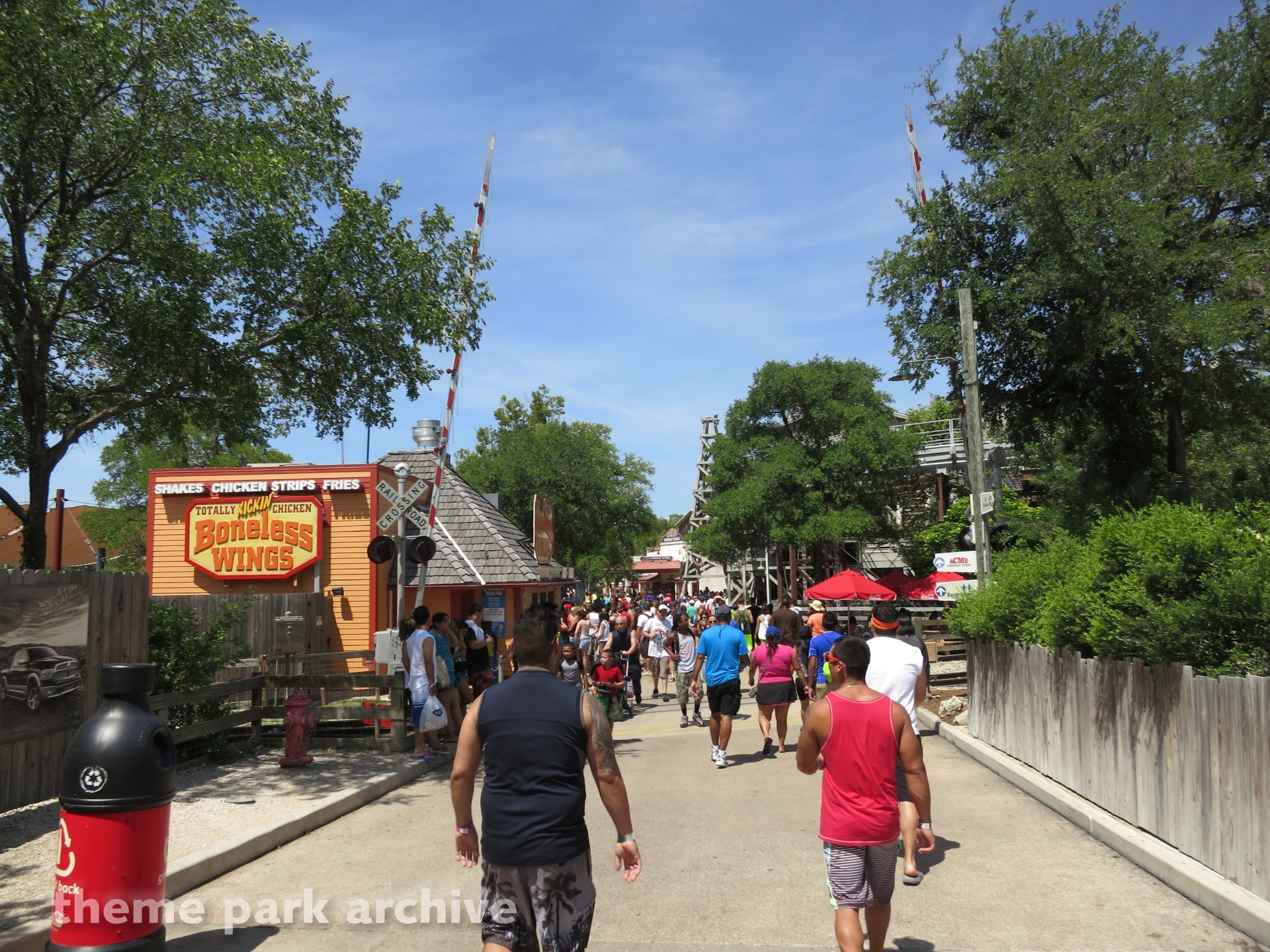 Crackaxle Canyon at Six Flags Fiesta Texas