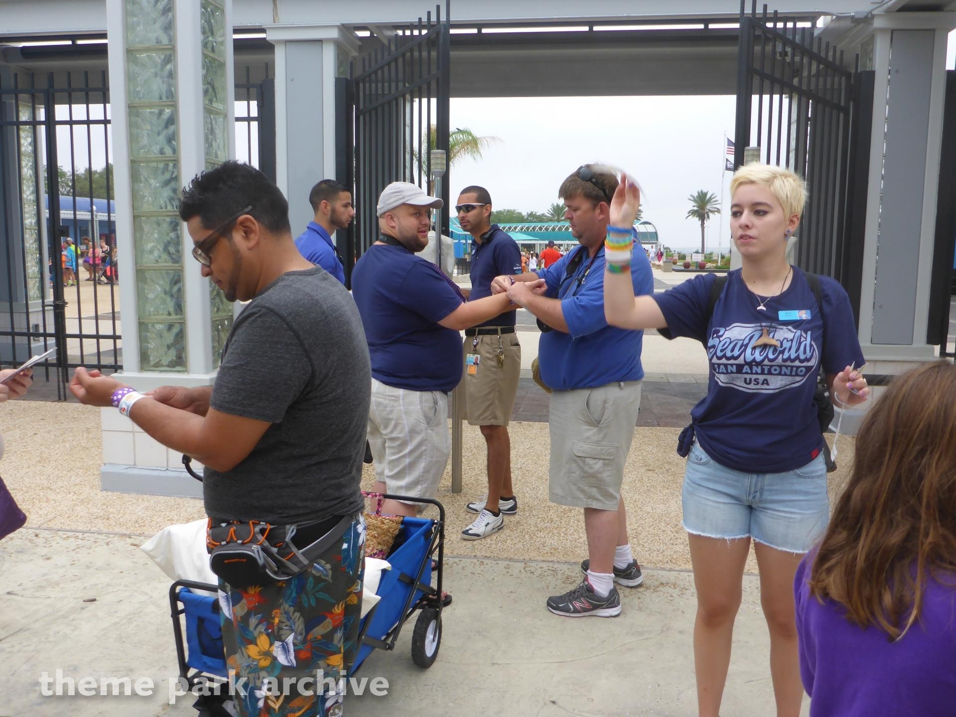 Entrance at SeaWorld San Antonio