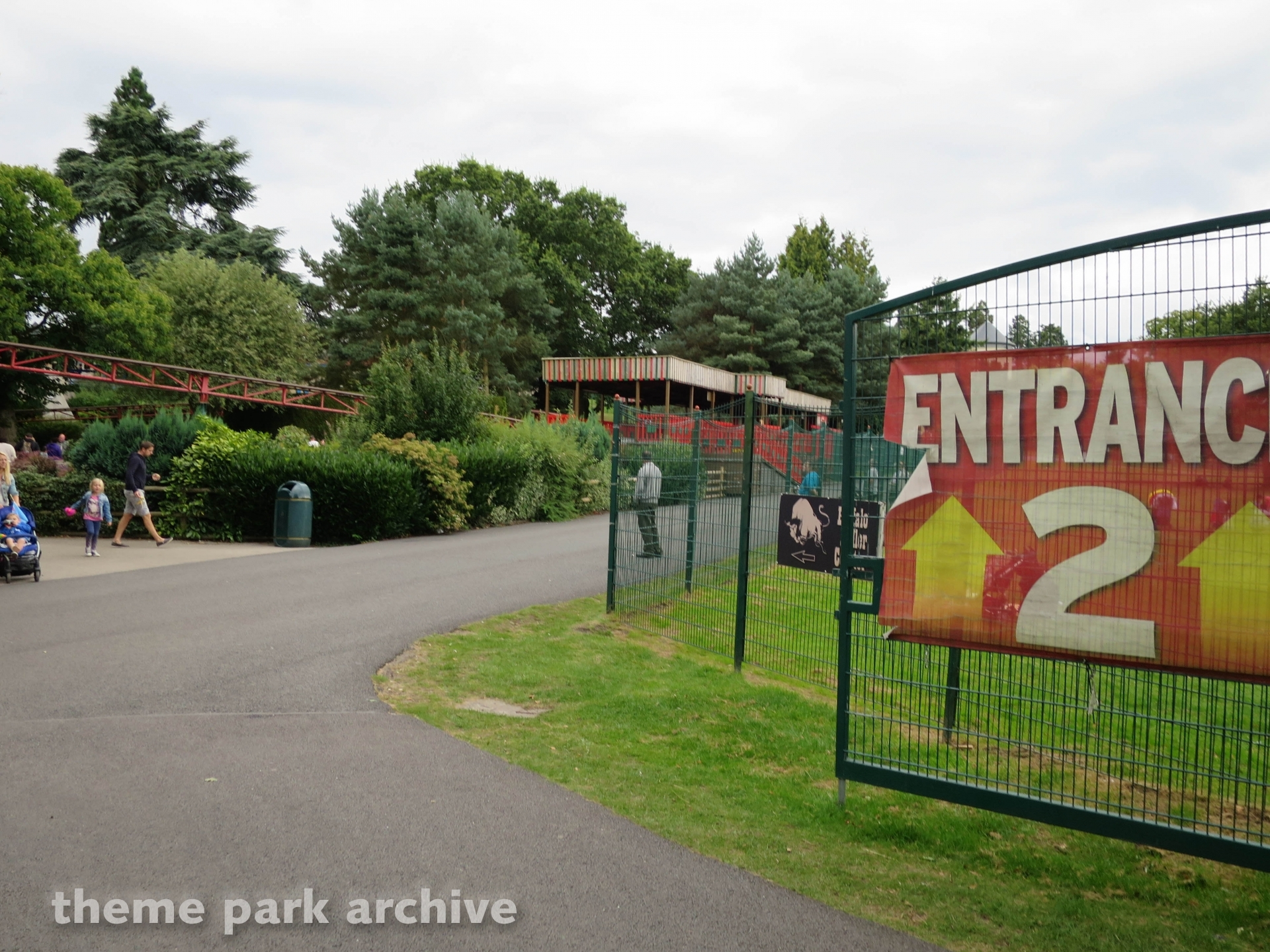 Entrance 2 at Drayton Manor