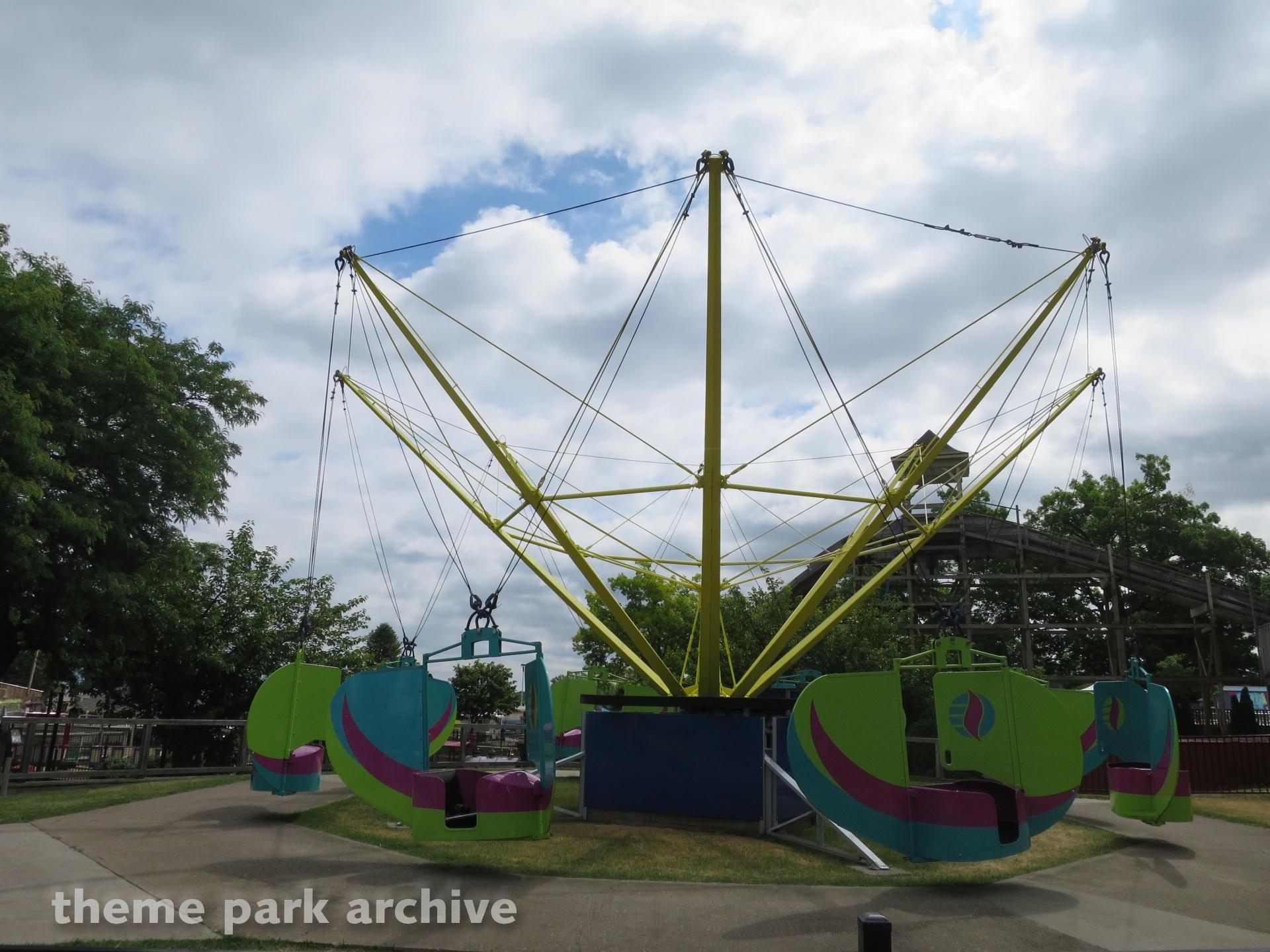 Seabreeze Flyers at Seabreeze Amusement Park