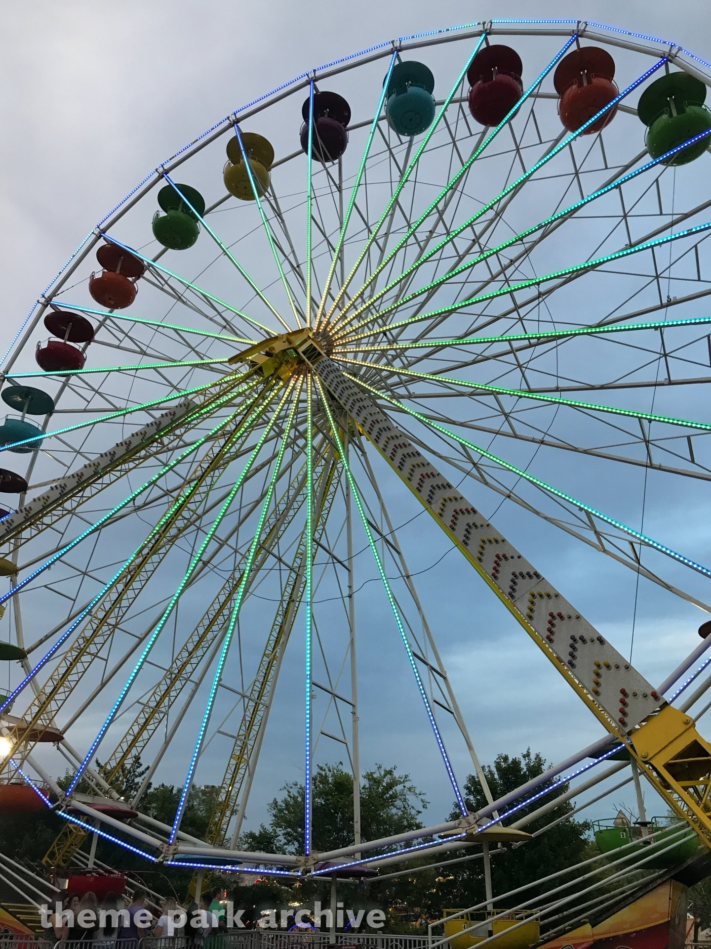 Giant Ferris Wheel at Jolly Roger 30th Street Amusement Park