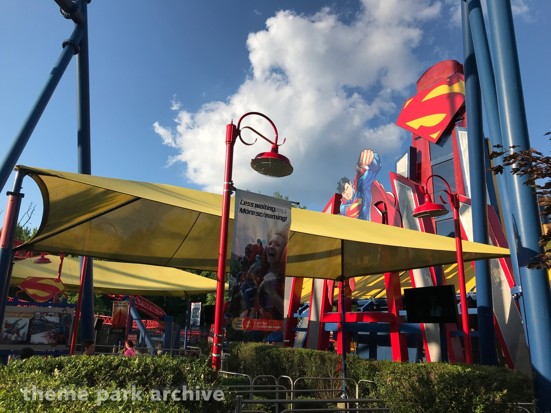 Superman The Ride at Six Flags New England | Theme Park Archive