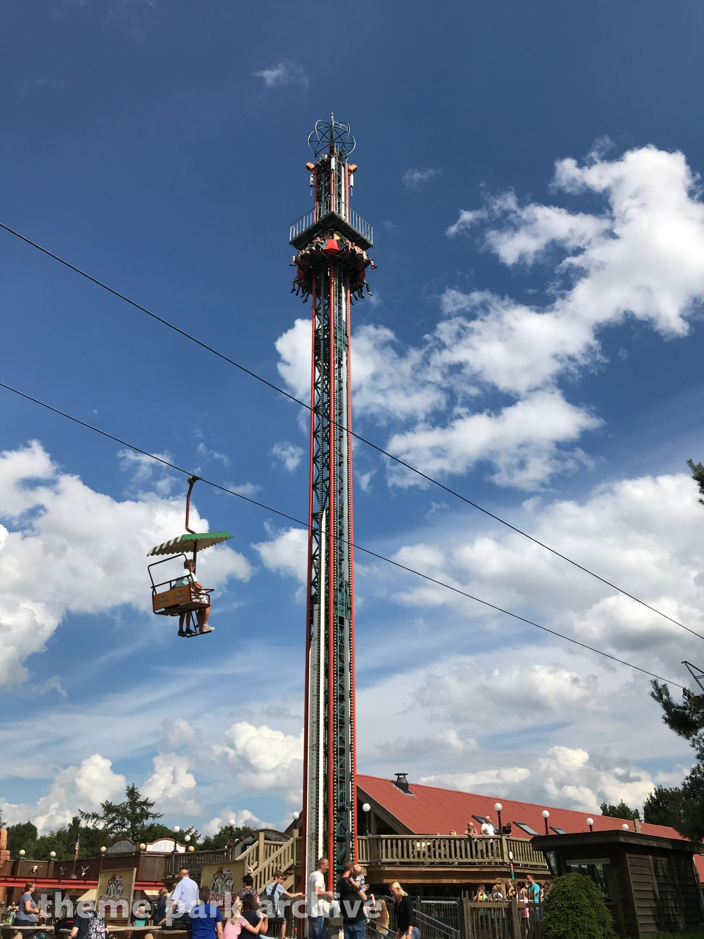 Free Fall at Attractiepark Slagharen