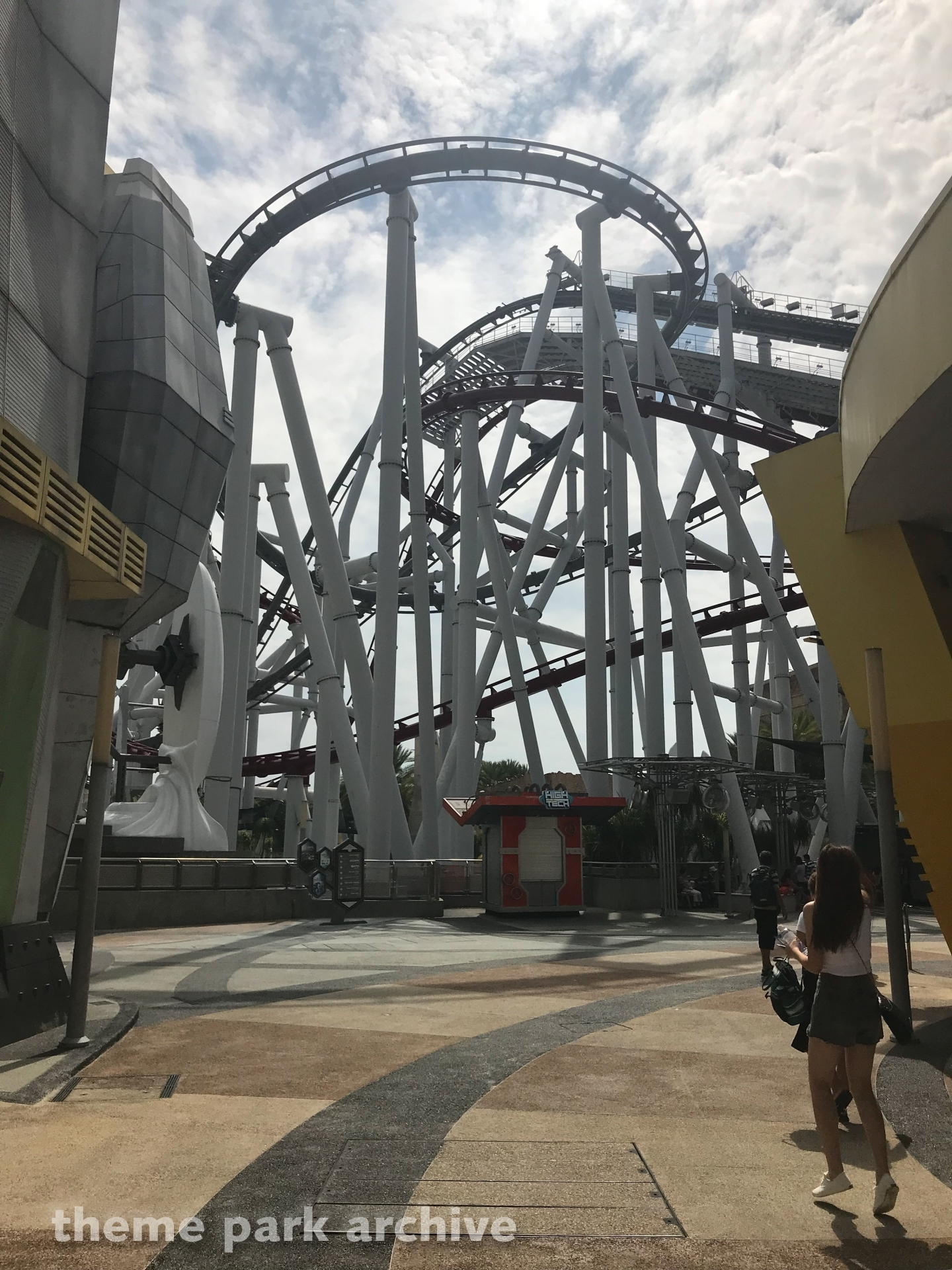 Battlestar Galactica HUMAN vs CYCLON at Universal Studios Singapore