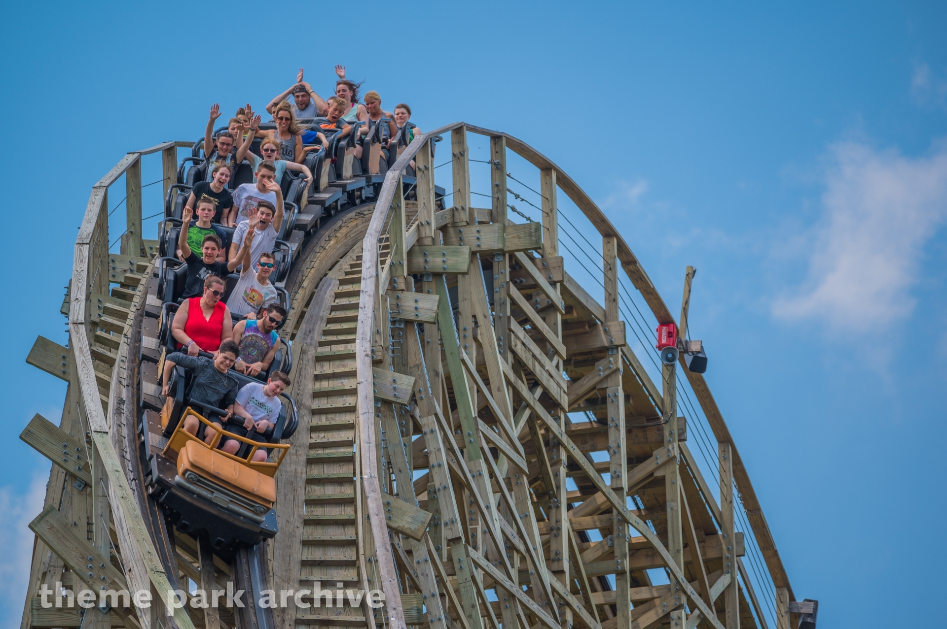 Mystic Timbers at Kings Island | Theme Park Archive
