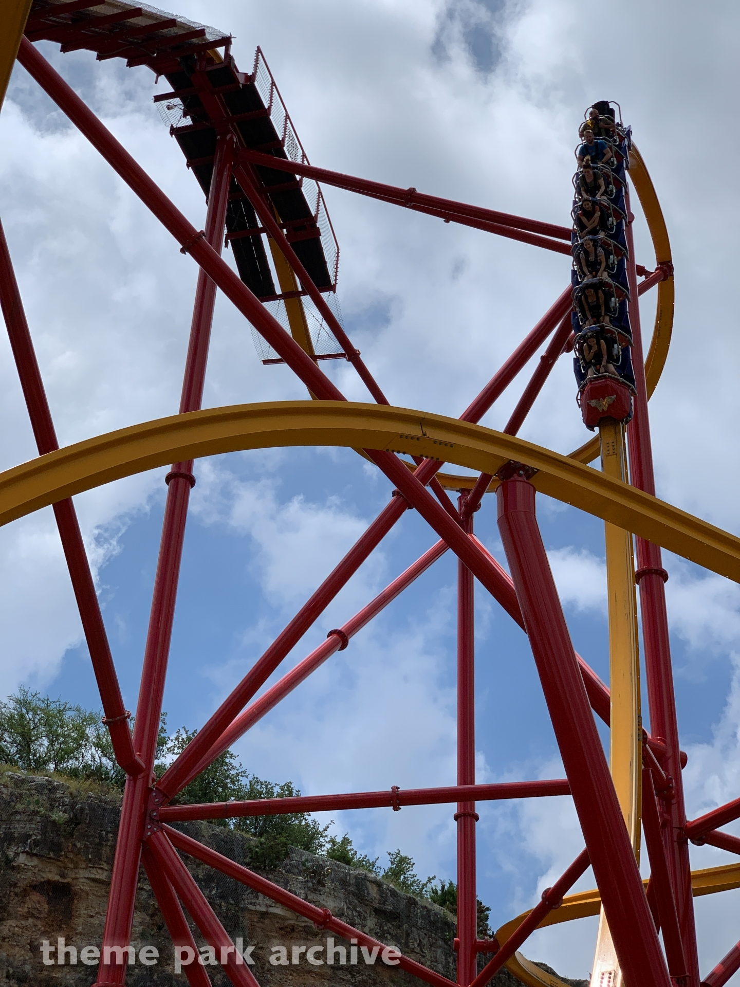 Wonder Woman Golden Lasso Coaster at Six Flags Fiesta Texas