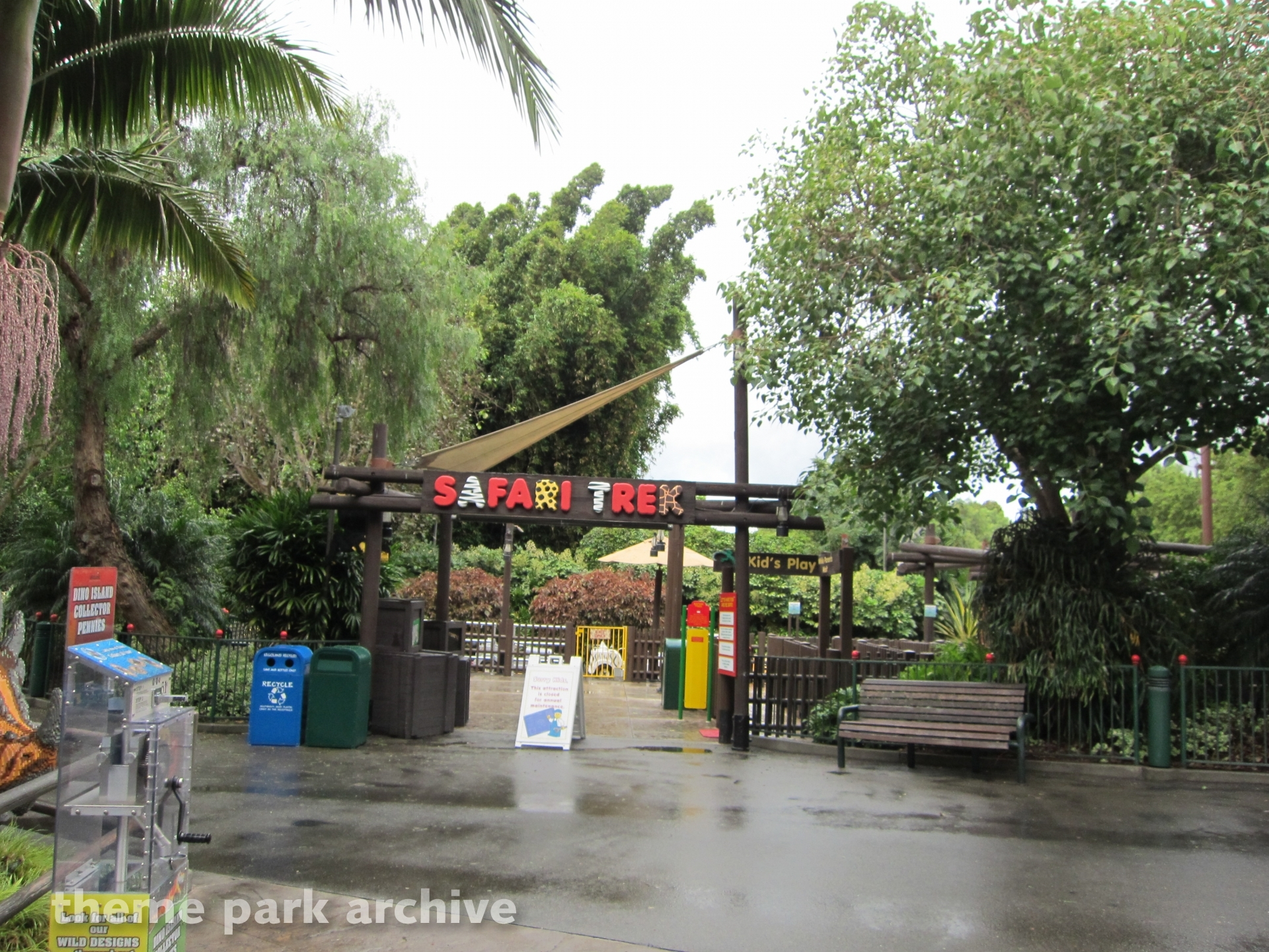 Safari Trek at LEGOLAND California | Theme Park Archive