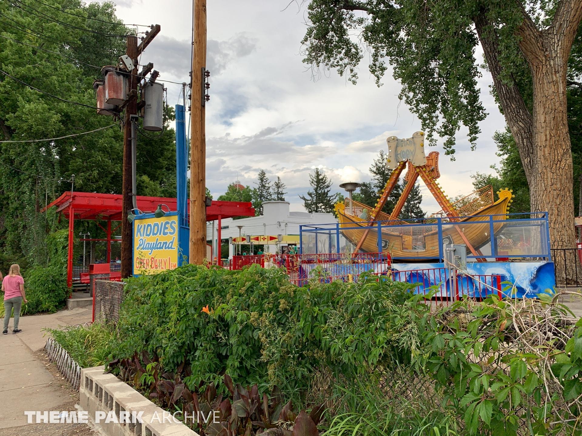 Captain Hook at Lakeside Amusement Park