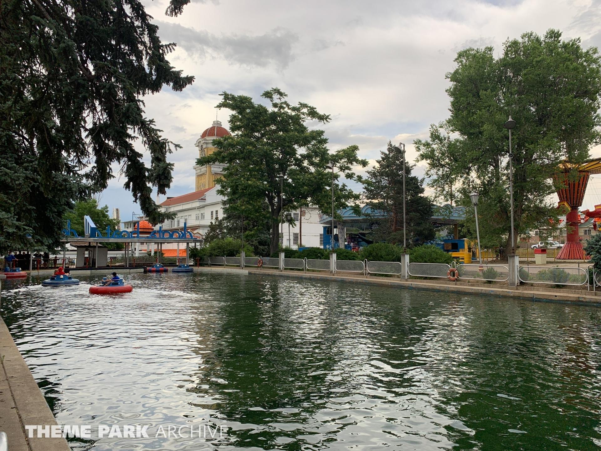 Skoota Boats at Lakeside Amusement Park
