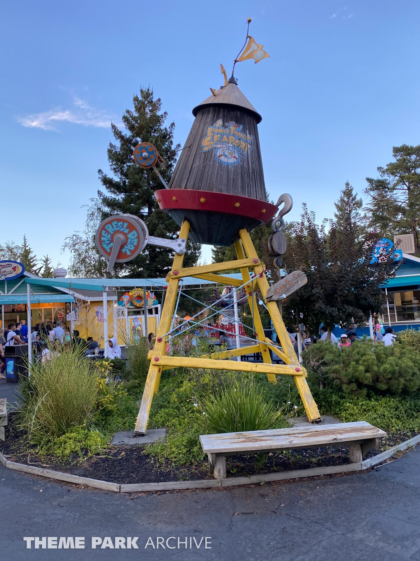 Looney Tunes Seaport at Six Flags Discovery Kingdom