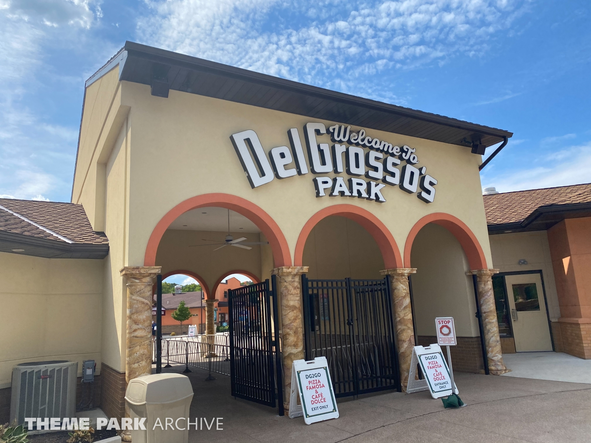 Entrance at DelGrosso's Amusement Park
