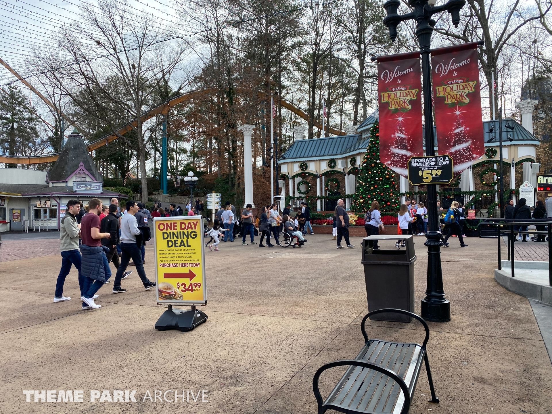 Entrance at Six Flags Over Georgia