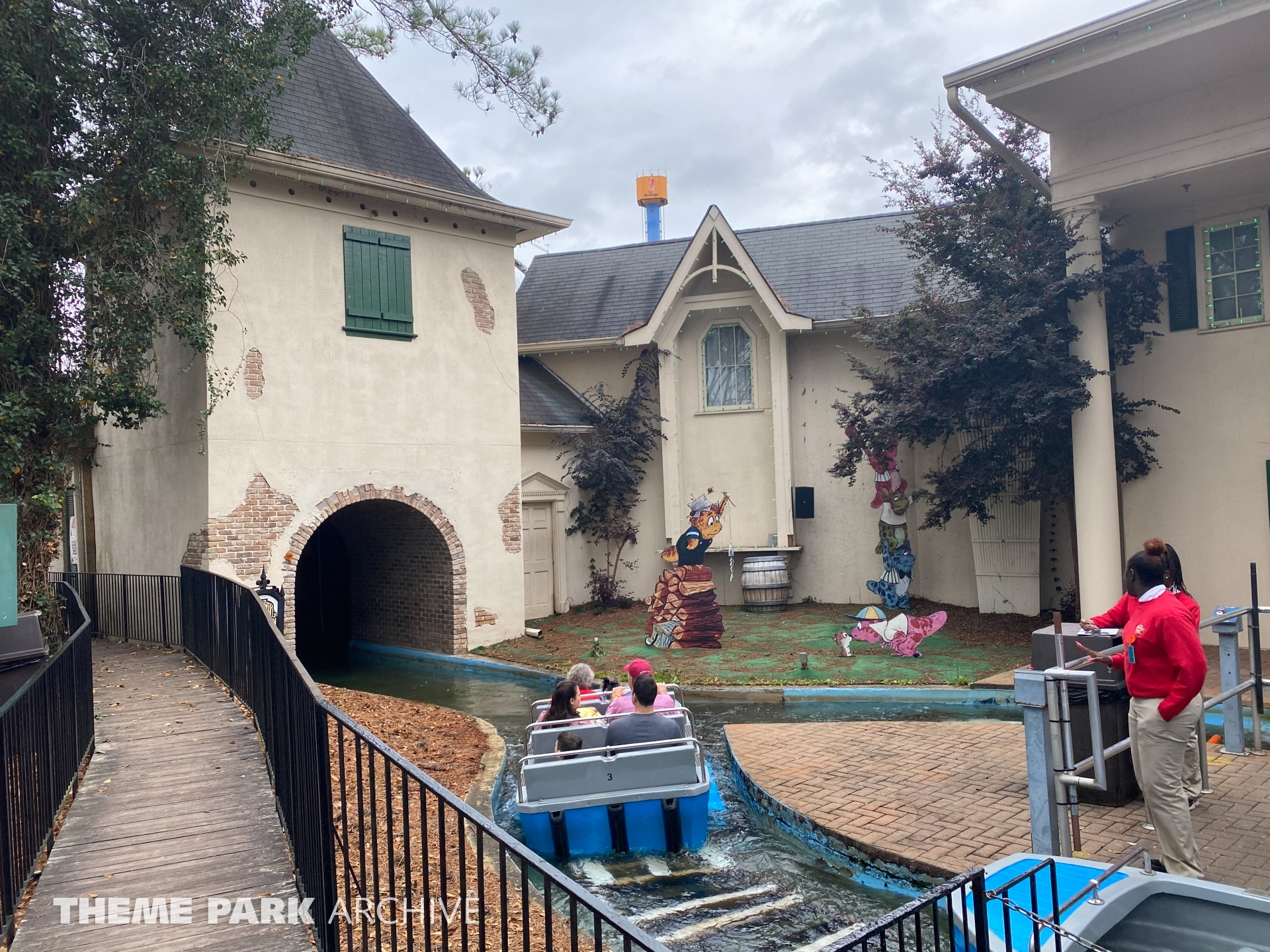 Monster Mansion at Six Flags Over Georgia