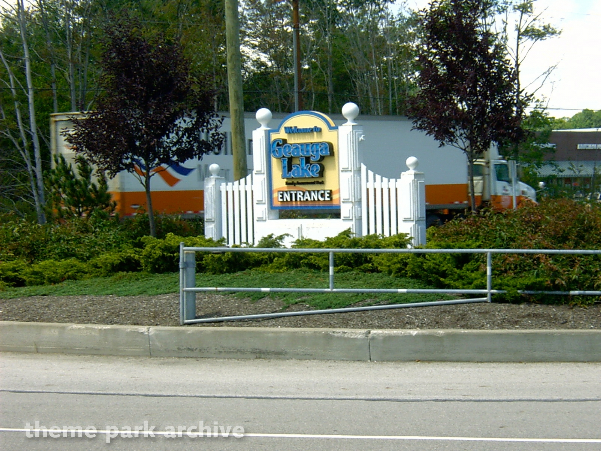 Geauga Lake July 22, 2004 | Theme Park Archive