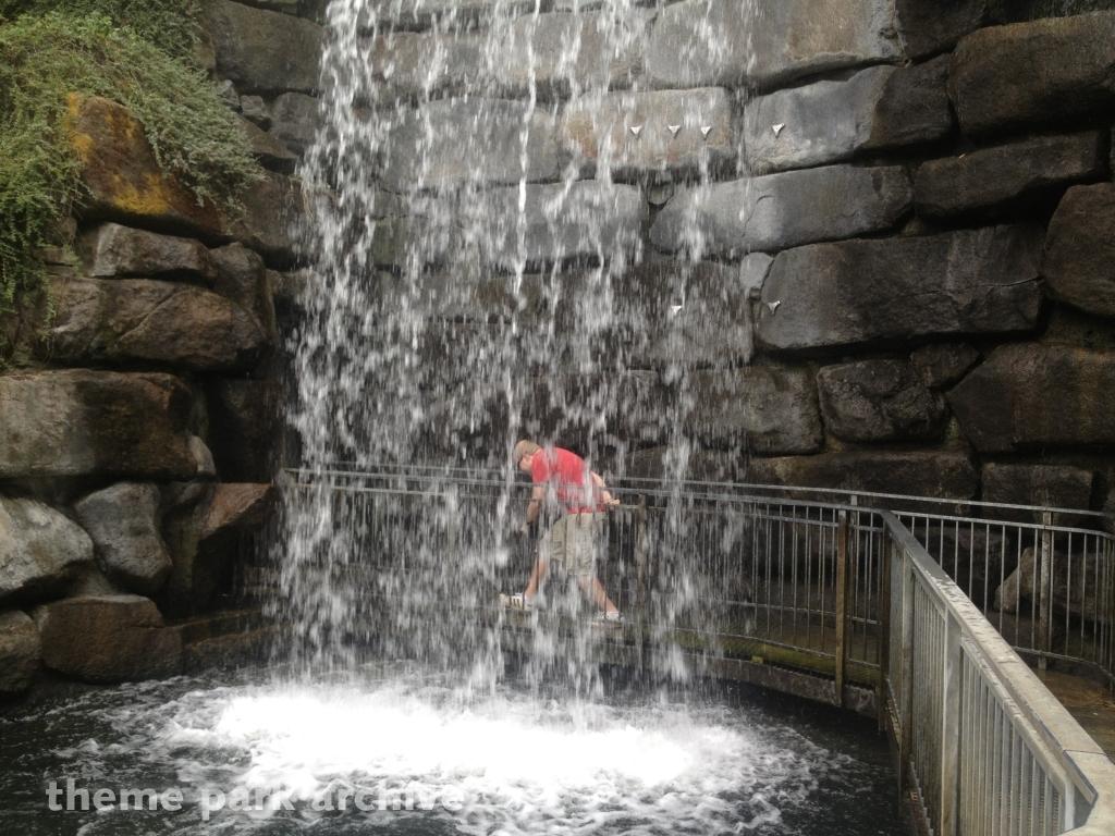 Bonfante Falls at Gilroy Gardens