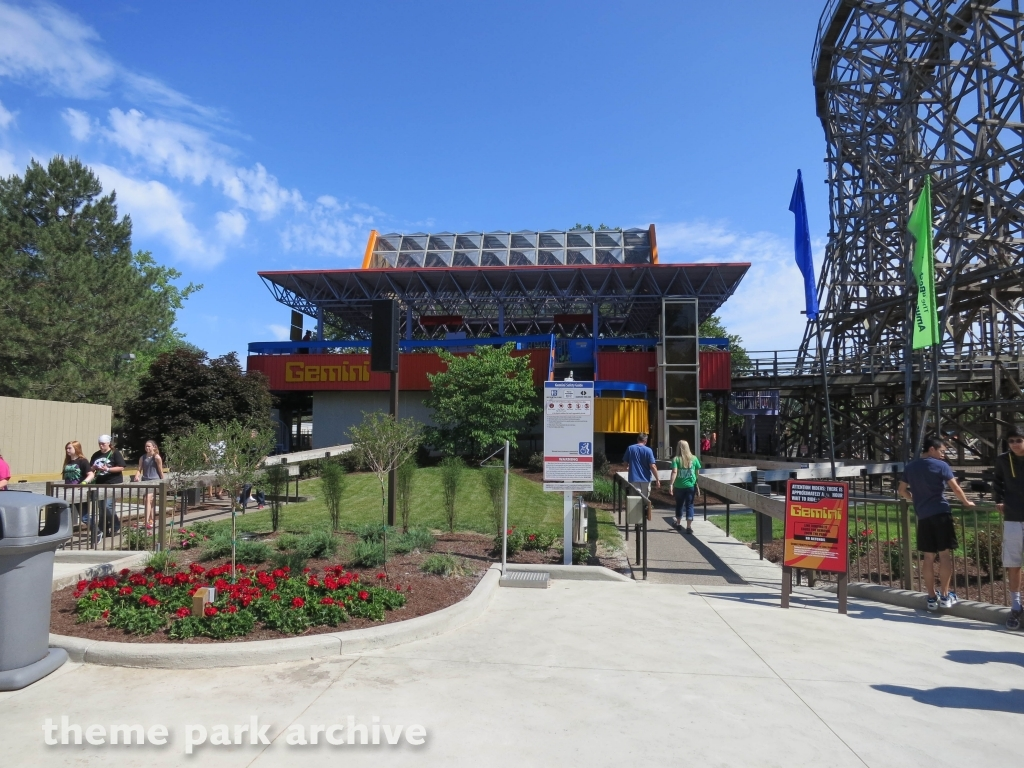 cedar point dating Cedar point is the second oldest amusement park in the united states dating back to before 1870 Â it is nestled on a small island in lake erie just off the shore.