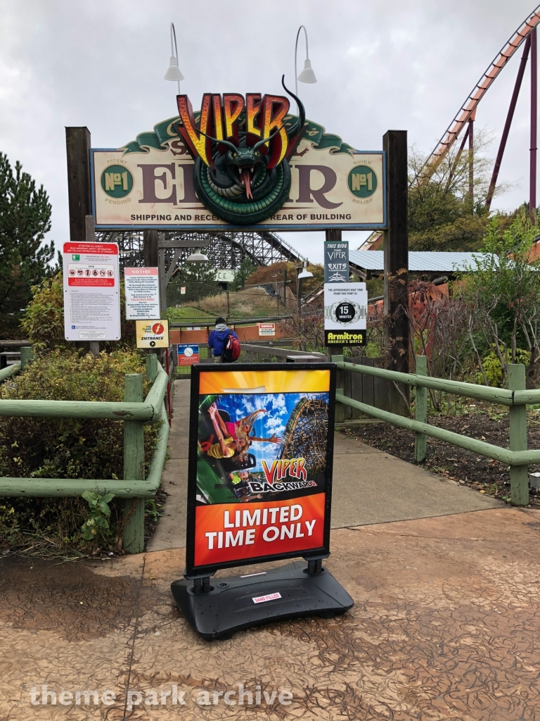 Viper at Six Flags Great America