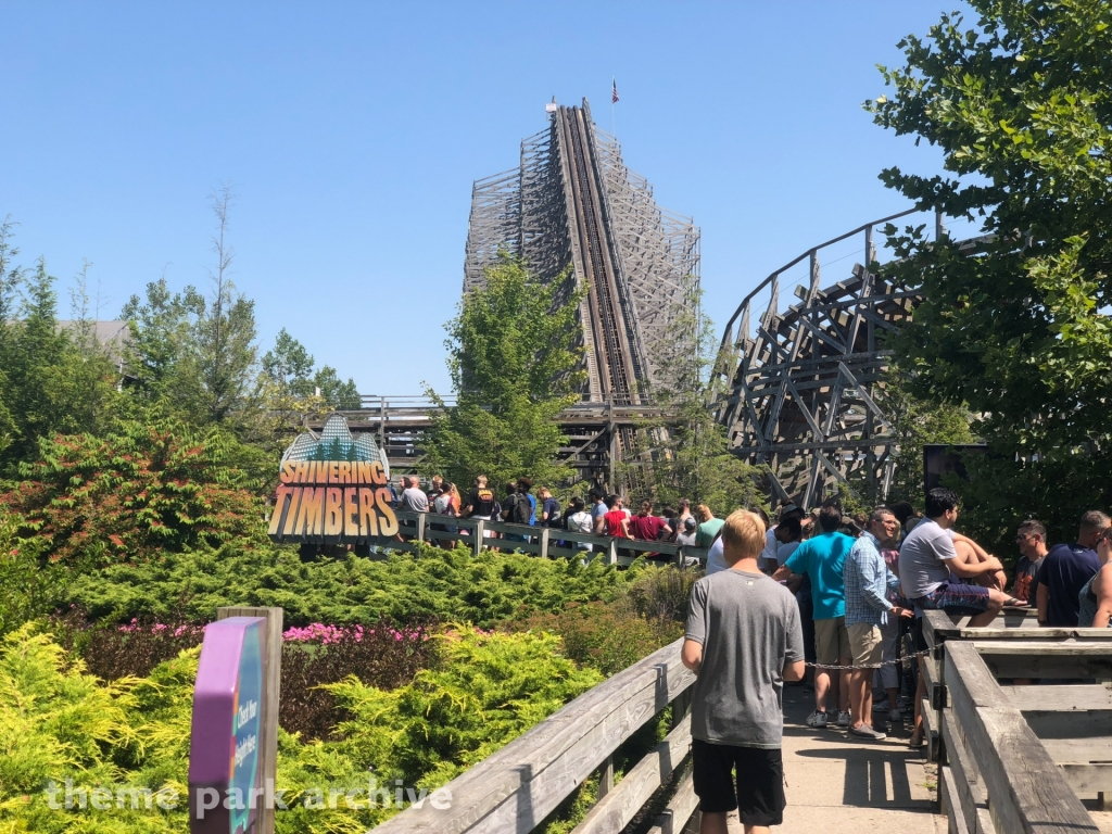 Shivering Timbers at Michigan's Adventure