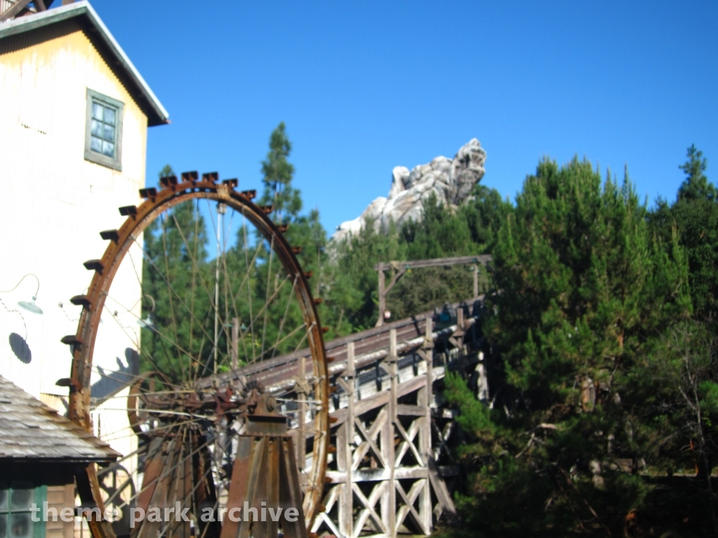 Grizzly River Run at Disney California Adventure