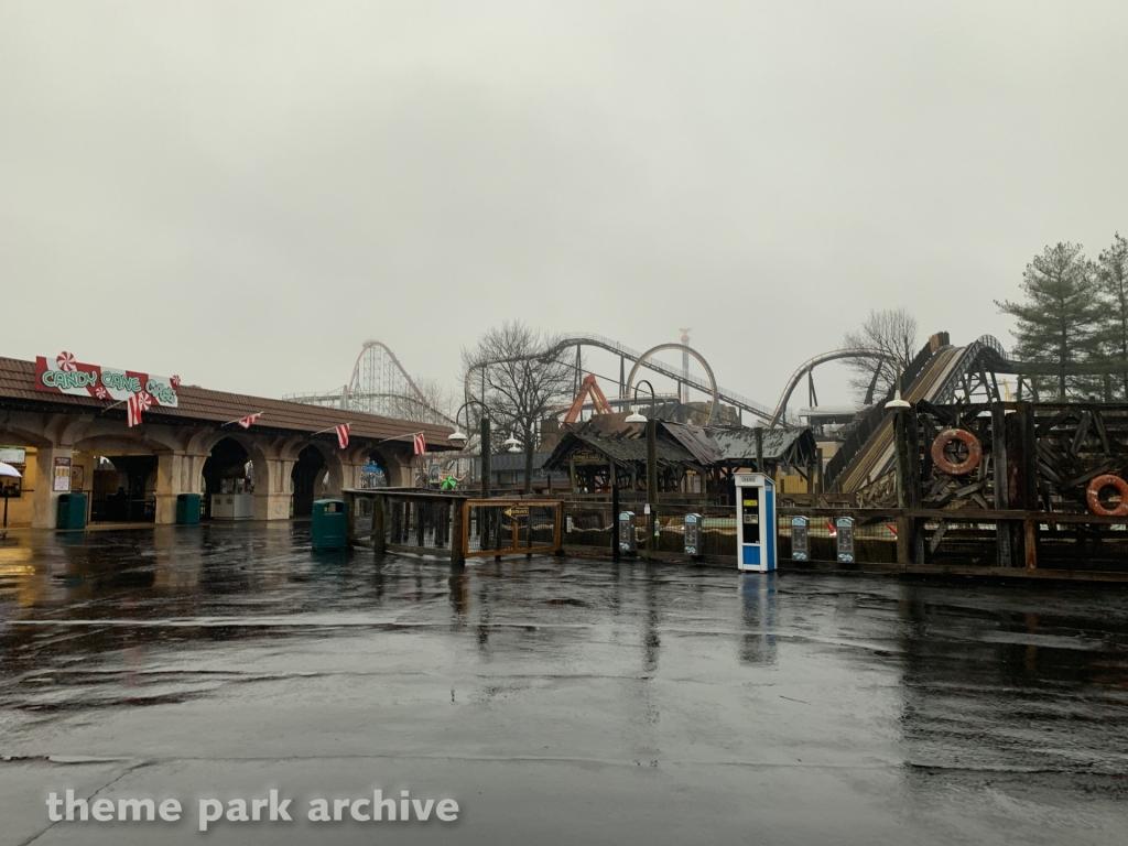 Shipwreck Falls at Six Flags America
