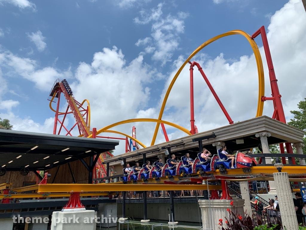 Wonder Woman Golden Lasso Coaster at Six Flags Fiesta Texas