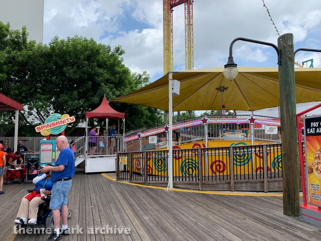 Spinsanity at Six Flags Fiesta Texas