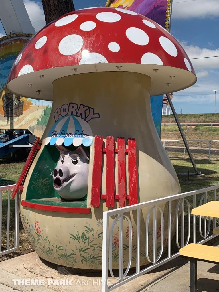 Misc at Wonderland Amusement Park