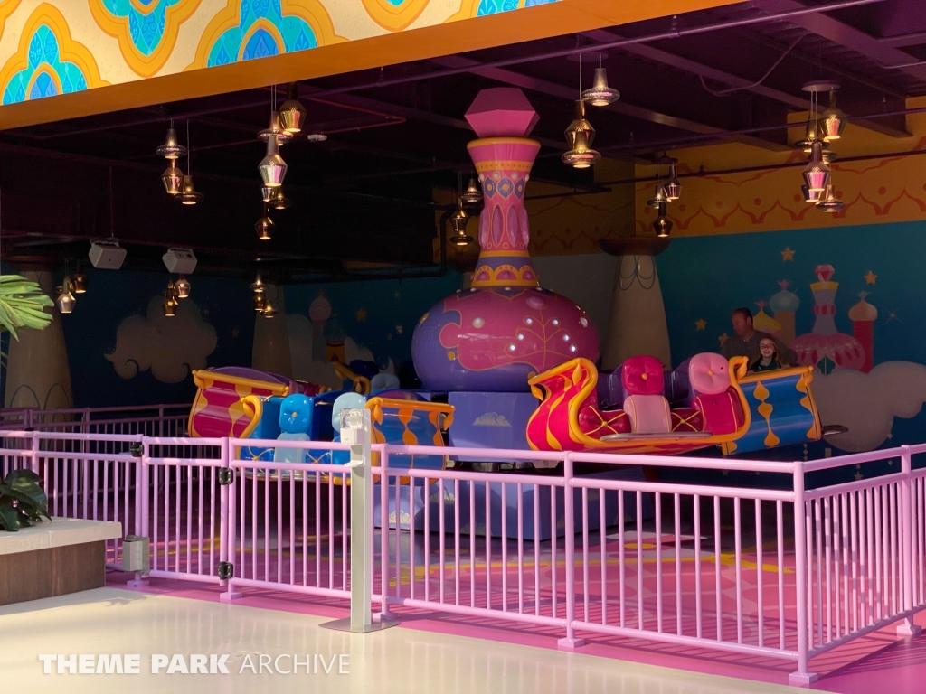 Shimmer & Shine Jumping Genies at Nickelodeon Universe at American Dream