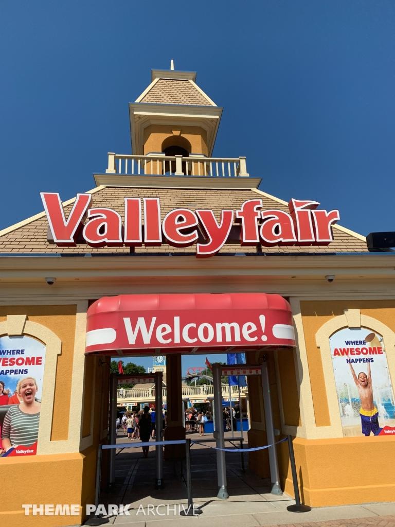 Entrance at Valleyfair