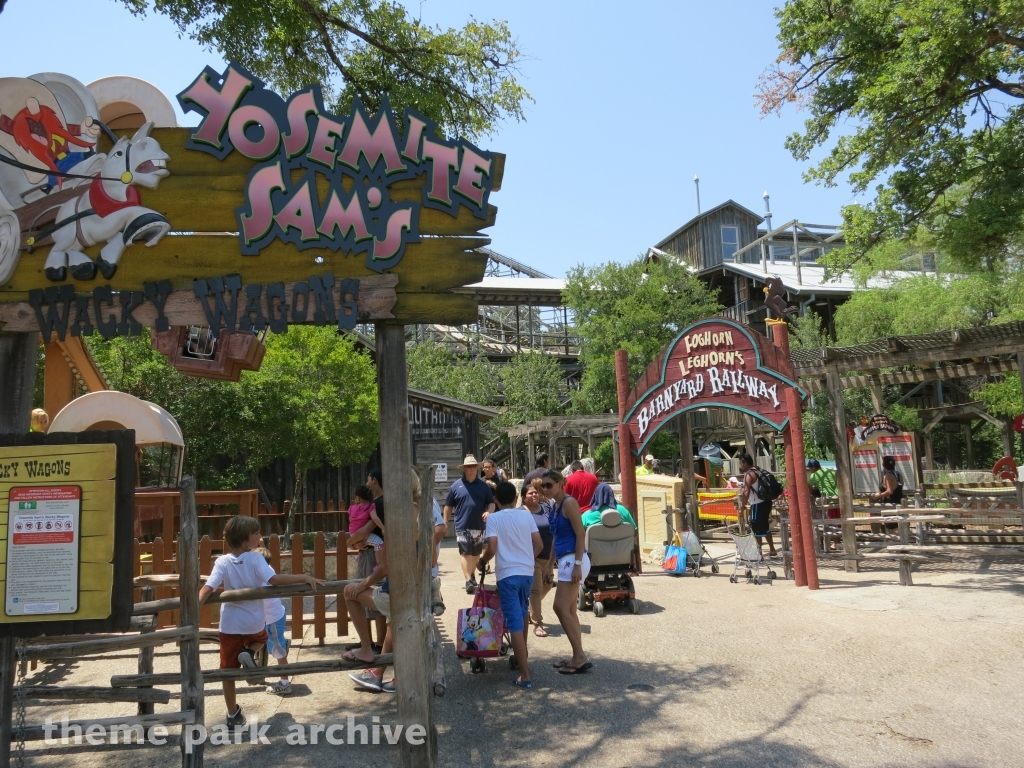 Yosemite Sam's Wacky Wagons at Six Flags Fiesta Texas