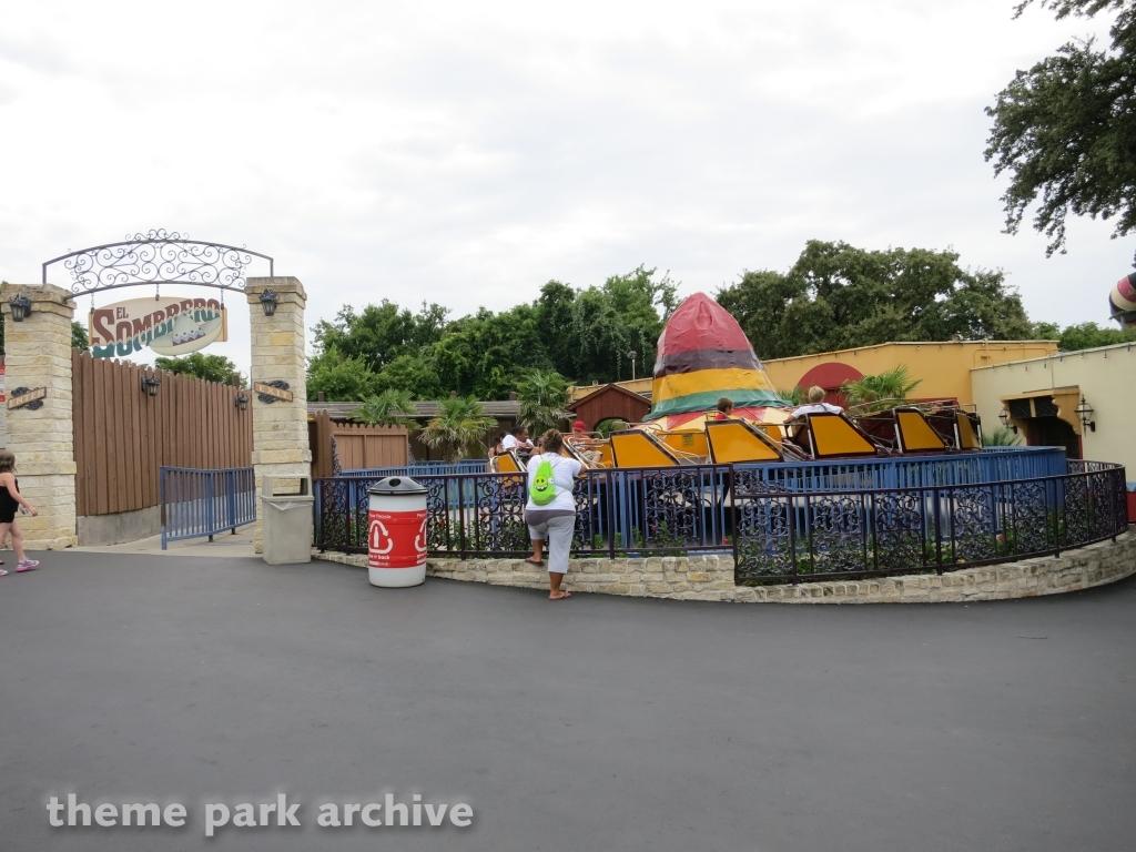 El Sombrero at Six Flags Over Texas