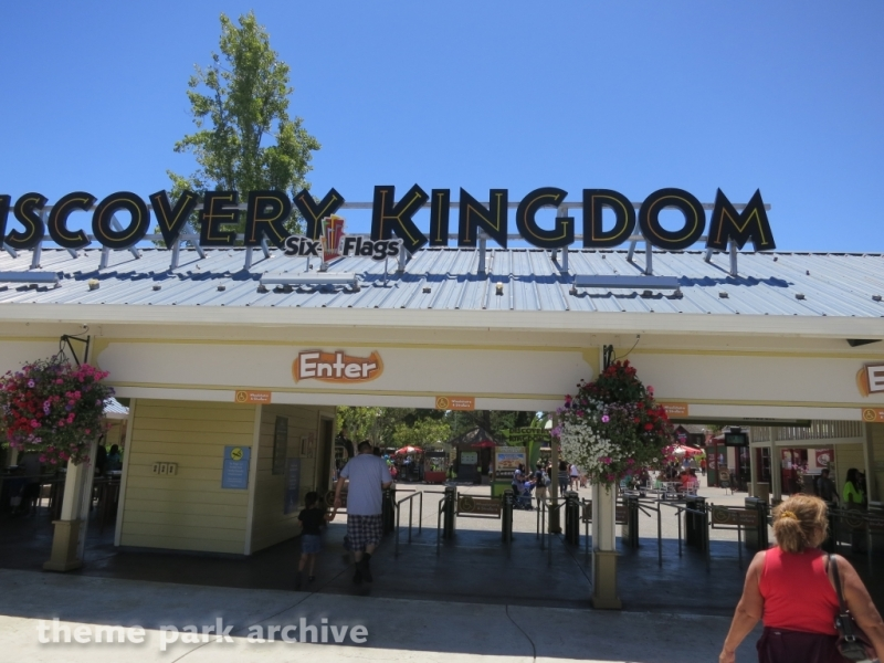Entrance at Six Flags Discovery Kingdom