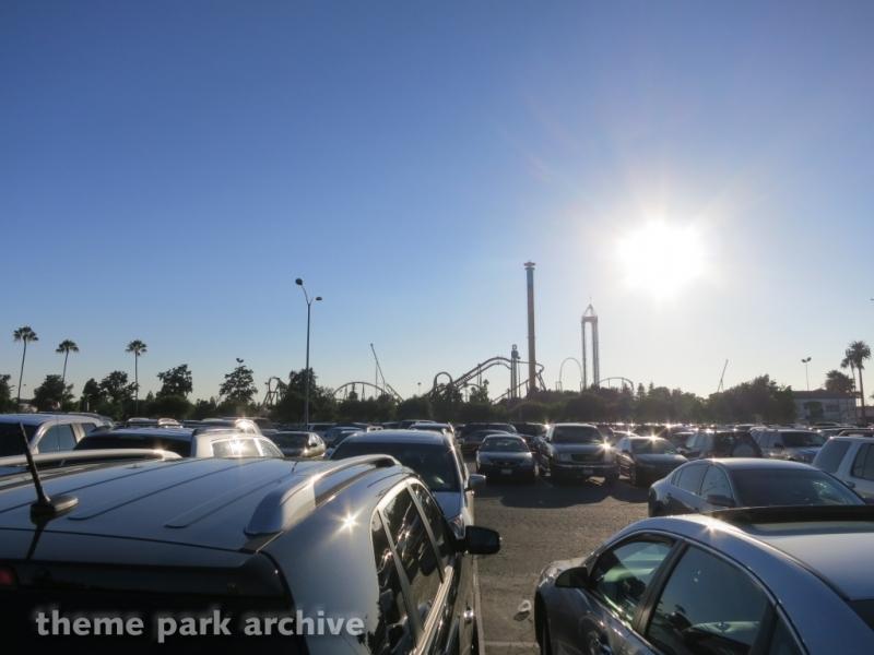 Parking at Knott's Berry Farm