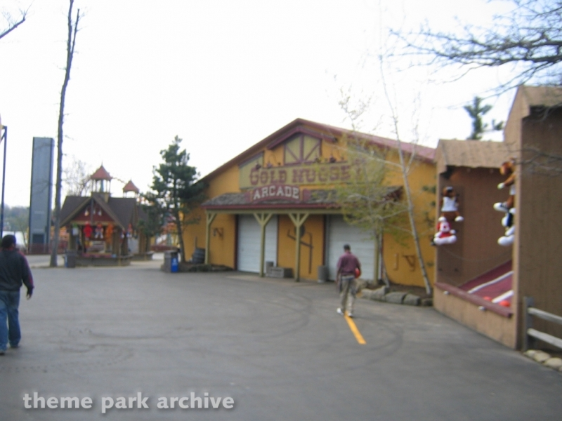 Gold Nugget Arcade at Geauga Lake