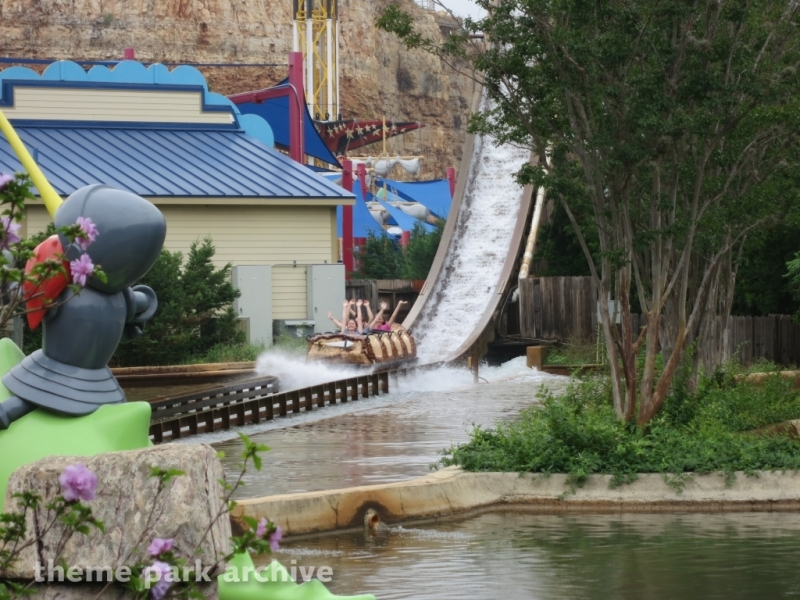 Bugs White Water Rapids at Six Flags Fiesta Texas