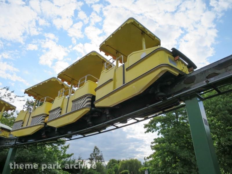 Safari Skyway at Chessington World of Adventures Resort