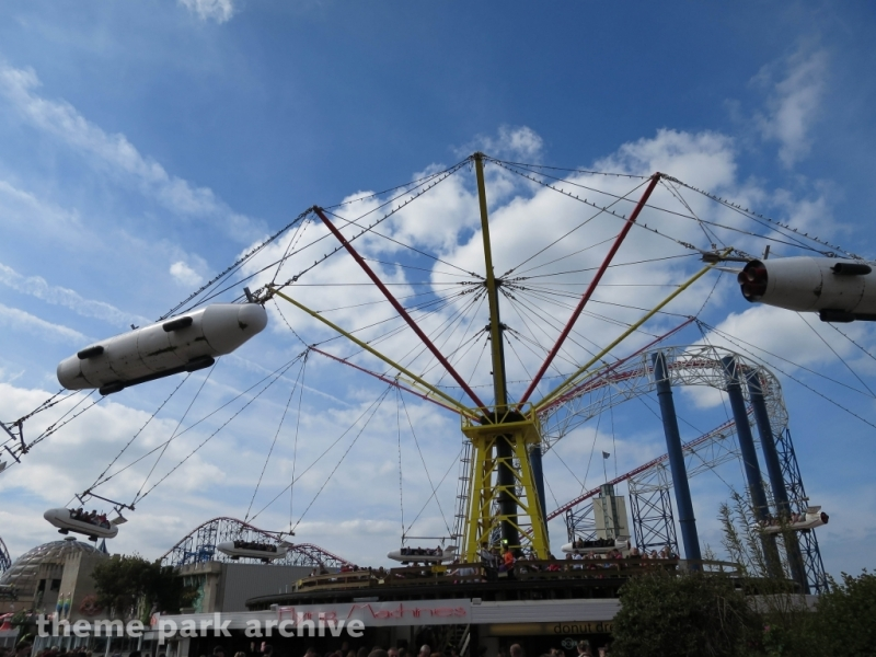 Flying Machines at Blackpool Pleasure Beach