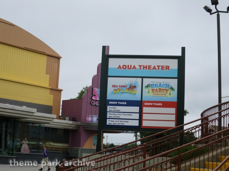 AQUA Theater at Kentucky Kingdom