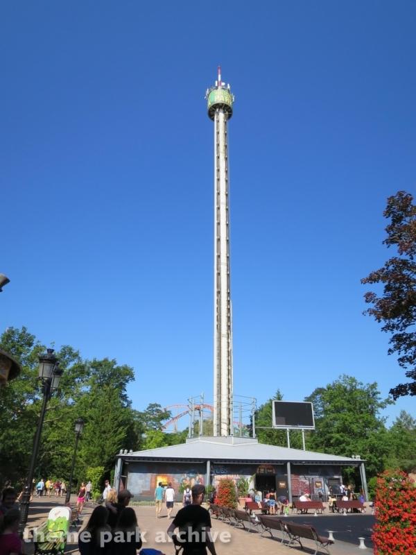 Free Fall Tower at Holiday Park