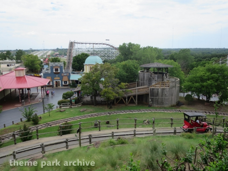 Tin Lizzy's at Frontier City