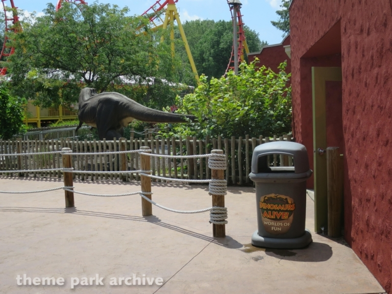 Dinosaurs Alive at Worlds of Fun