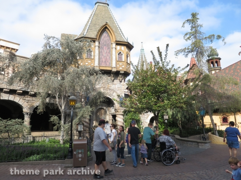 Snow White's Scary Adventures at Disneyland