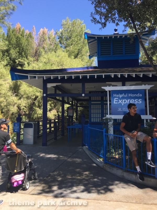 Helpful Honda Express at Six Flags Magic Mountain