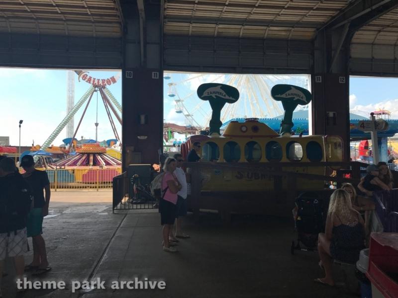 Crazy Submarine at Gillian's Wonderland Pier