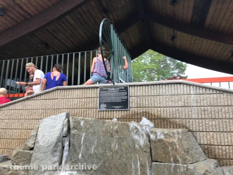 Yankee Cannonball at Canobie Lake Park