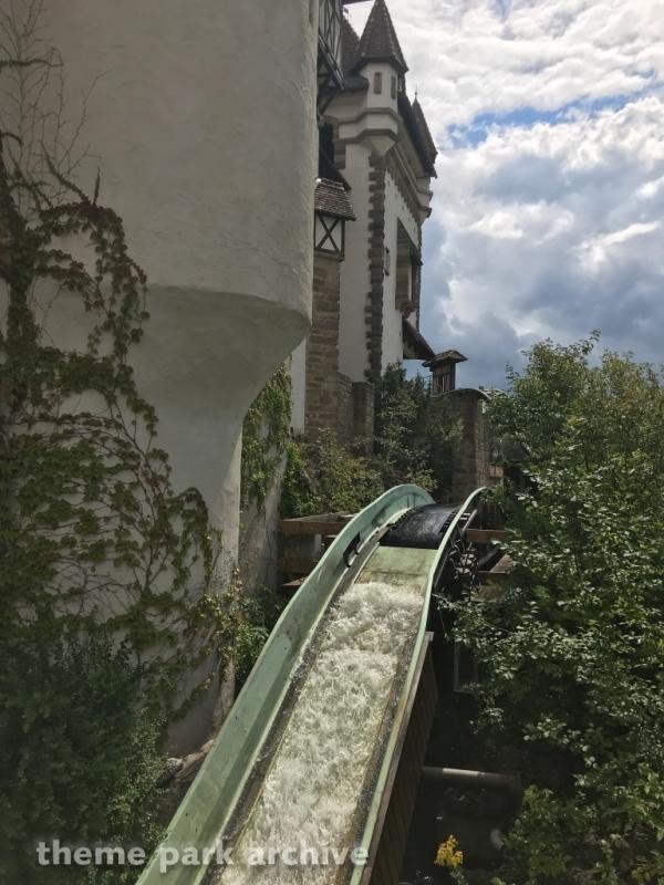 Badewannen Fahrt zum Jungbrunnen at Erlebnispark Tripsdrill