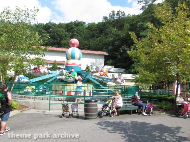 Amazing Flying Elephants at Dollywood
