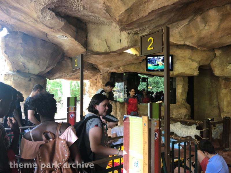 La Trace Du Hourra at Parc Asterix