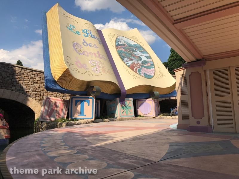 Le Pays des Contes de Fees at Disneyland Paris
